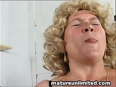 Bigtits hairypussy moms fingering