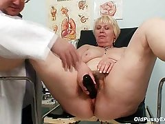 Chubby flaxen mom soft pussy doctor exam